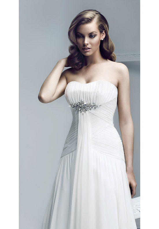 Strapless wedding dresses for beautiful brides broad