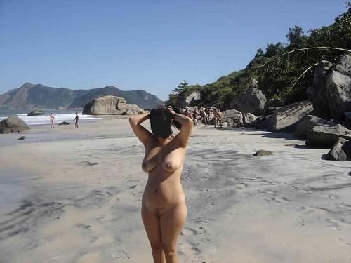 free nude sunbathers sunbathing on beach pics: nudebeach