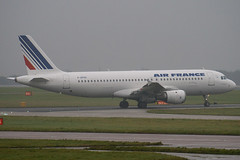 F-GFKH - 061 - Air France - Airbus A320-211 - Manchester - 081126 - Steven Gray - IMG_2465