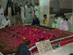 Mohtarma Shaheed Bhutto's GRAVE (mr.chichawatni) Tags: new pakistan party orleans peoples pakistani khan punjab bibi sindh punjabi yar shaheed raheem okara chichawatni sahiwal sehwan haroonabad warraich