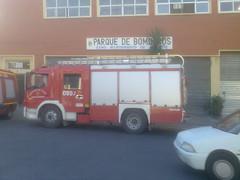 PROVICIA DE ALICANTE / ALACANT    Mediterrne ! BOMBEROS ALACANT ALICANTE FRENTE A TERMINAL DE AUOBUSES  ESPAA ESPANYA. (neogranadino) Tags: espaa alicante bomberos bestpicture bombers pompiers alacant  espanya bombeiros pompieri 100faves  mejorfoto meilleuresphotos feuerwhr camidebombers   worldtruck