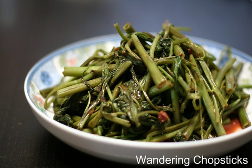 Rau Muong Xao Toi Chao (Vietnamese Stir-Fried Water Spinach with Garlic and Fermented Bean Curd) 2