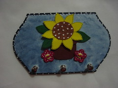 PORTA CHAVES (Tralal Arte em E.V.A e Scrapbook_ Valdiclia X.) Tags: flores primavera eva bonecas bailarina placas torcedor portachave pinturaemmdf
