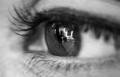 Via le mani dagli occhi. ([L] di .zuma) Tags: bw laura macro up canon close alice bn chiara occhio lenti pupilla ciglia