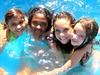 Minhas garotas (missbodart) Tags: azul agua diversão missb verão amigas crianças meninas 10anos sorrisos 12anos garotada 09anos 04anos