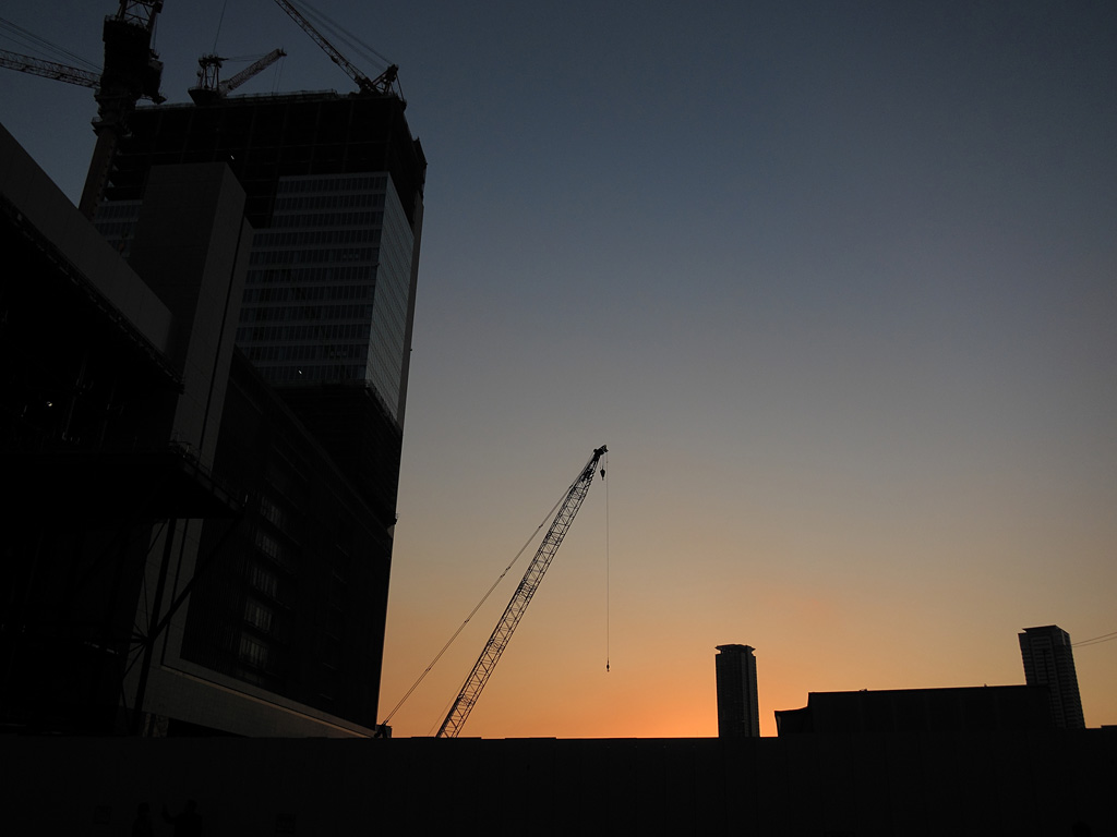 the twilight at Umeda one day (2)