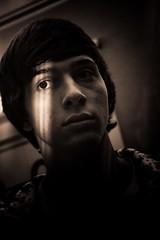 Markus (strok_nine) Tags: light boy canon 50mm model portraiture schatten auge dunkel strobist eyeportrait shadowsdarklicht