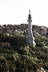Faro della Vittoria, Trieste (Pachibro Portfolio) Tags: sea lighthouse canon faro eos mare lanterna trieste friuliveneziagiulia farodellavittoria 400d canoneos400d pasqualinobrodella pachibroportfolio pachibro