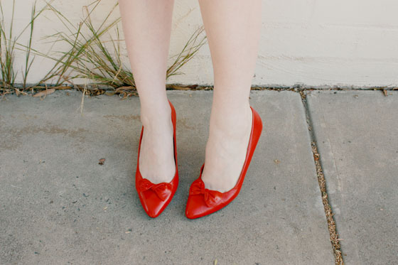 red bow shoe clips 5