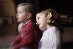 Watching (sk31k) Tags: girls distortion lensbaby sisters muse plastic flare diffusion fujis5
