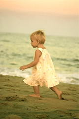 B (Suzanne Pyle Photography) Tags: baby girl yellow child play dress ashley run bria suzannemarie suzannepyle