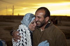 Al Tanf: Leaving No Man's Land (UNHCR) Tags: family camp reunion desert refugees iraq border middleeast hijab syria departure nomansland photoset unhcr palestinians refugeecamp mywinners bestofpalestinegroup palestinianrefugees northernsyria unrefugeeagency altanf alholcamp