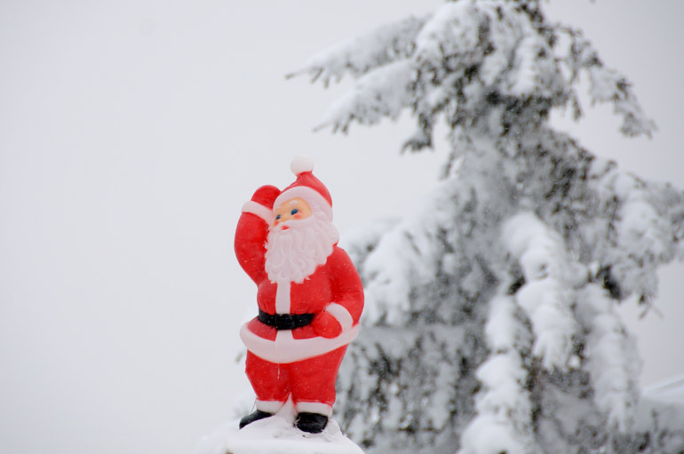 web_santa_snowshoe_0192_2512
