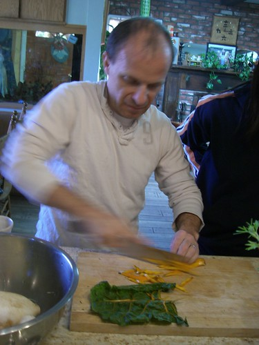 Chef Eric chopping veggie