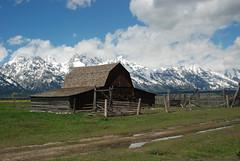 John and Bartha Moulton Homestead - Mormon Row Historic District - Grand Teton National Park (jrozwado) Tags: usa barn nationalpark northamerica homestead wyoming grandteton moulton historicsite mormonrow antelopeflats