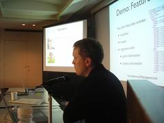 Justin presenting the tutorial (PaulLamere) Tags: kobe ismir ismir2009