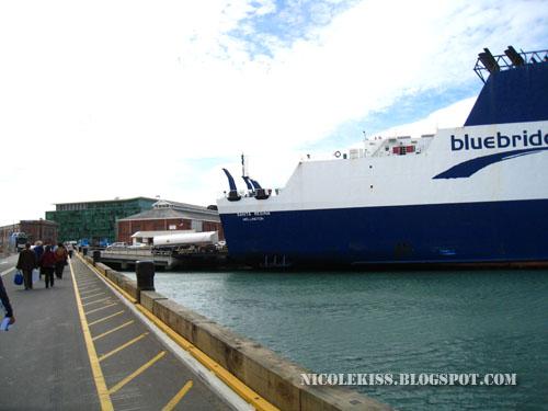 entering cargo of ship