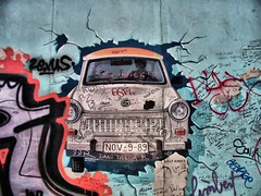 Test the Best (Davide Cherubini) Tags: berlin muro wall berlinwall trabant eastsidegallery berlino cherubini murodiberlino dcherubini davidecherubini
