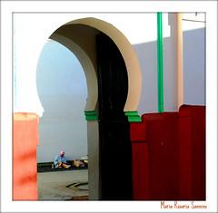 Open doors (Maria Rosaria Sannino/images and words) Tags: woman nikon morocco marrakech mariarosariasannino concordians moroccanhouse