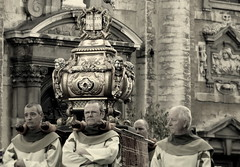 To carry the suitcase of Saint Paul can be a real burden (e) Tags: procession kerk burden mechelen christendom processie veemarkt hanswijkprocessie hanswijk sintpieterenpauluskerk schrijn