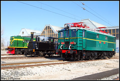 Reunin... (Marc Lurigados) Tags: railroad viaje electric train de tren trenes general railway trains steam wilcox express babcock caf vapor 1003 yf cuco 602 pla especial espaol lleida ferrocarril renfe historico mza yeyes hibernal azaft armf ciwil vilanoveta