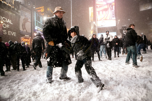 Snowstorm and snowball fight in Times Square (larger size)
