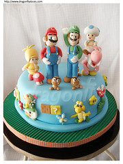 New Super Mario Bros Cake / Bolo de New Super Mario Bros (Dragonfly Doces) Tags: new game cake nintendo super mario toad bolo bros luigi gumpaste wii pastaamericana