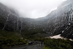 Weeping Mountains (photo.klick) Tags: newzealand usa mist mountain water rain clouds photoblog waterfalls southisland fjord milfordsound pacificrim homertunnel fiordlandnationalpark teanaumilfordroad katsingercom