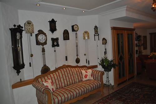 Relojes de pared como elemento decorativo del Hotel