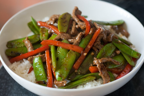 Stir-Fried Beef with Snap Peas and Red Pepper