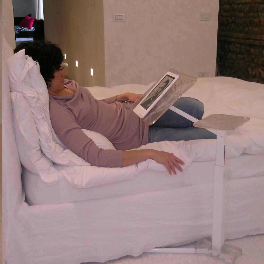 E-book reader in camera da letto