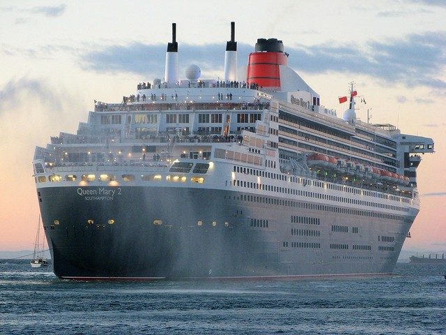Queen Mary 2 - Sailing