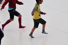 showa kinen park_14 (ajari) Tags: park silhouette japan kids tokyo nikon child action   sanpo   d300  showakinenpark    afsvrzoomnikkored70300mmf4556gif
