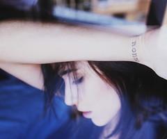 Sempre con me. (Melania Brescia) Tags: window girl face tattoo nonno briht