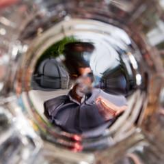 nel tunnel del bicchiere (albi_tai) Tags: glass square persona nikon tunnel ohhh bicchiere quadrato vetro d90 trasparenza nikond90 estremità albitai mygearandme