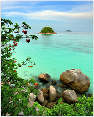 Colors of Koh Lipe | Satun | Thailand (I Prahin | www.southeastasia-images.com) Tags: ocean travel sea cliff holiday beach colors clouds thailand boats paradise raw view diving snorkling tropical emerald longtailboat andaman canon1022mm satun kohlipe sunrisebeach lipeisland touraroundtheworld castawayresort gettyimagessoutheastasiaq2