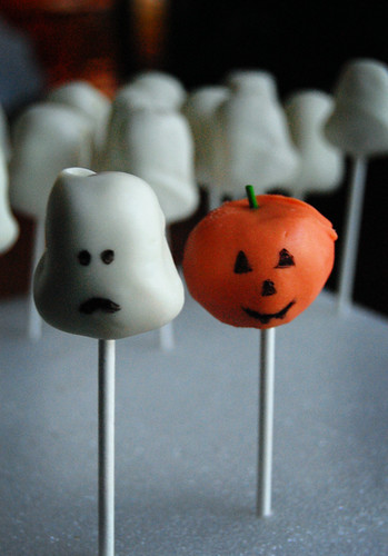 Pumpkin and Ghost Cake Pops