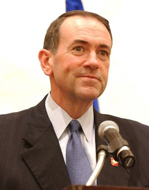469px-mike_huckabee_speaking_at_healthierus_summit