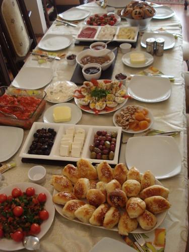 Füsun'un Kahvaltı Sofrası