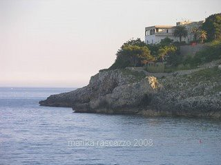 gallipoli-house-on-top-of-the-cliff-by-the-coast