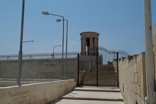 29-Siege-Bell-Monument