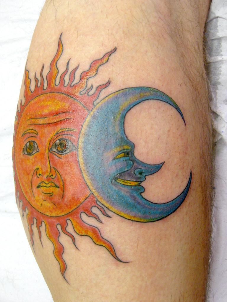 Что означают месяц в тату
