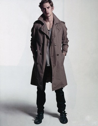 Mathias Lauridsen0269_L'OFFICIEL HOMMES #18 Decembre 09