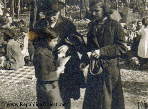 Familia Bogdan la Paulesti - 1934