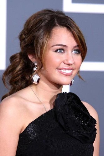 miley_cyrus_2009_grammy_awards_4.0.0.0x0.606x912