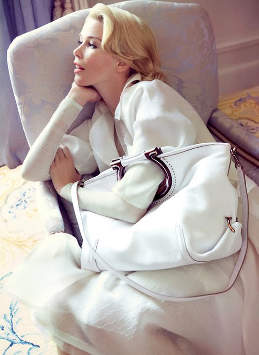 testino2-Claudia Schiffer for Salvatore Ferragamo