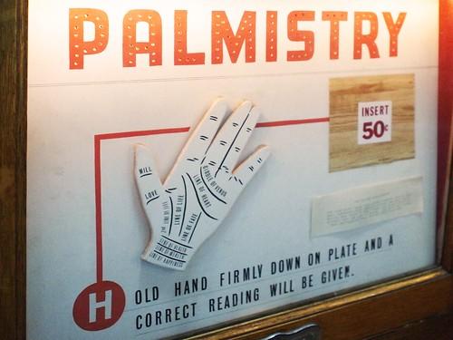 musée mécanique: palmistry