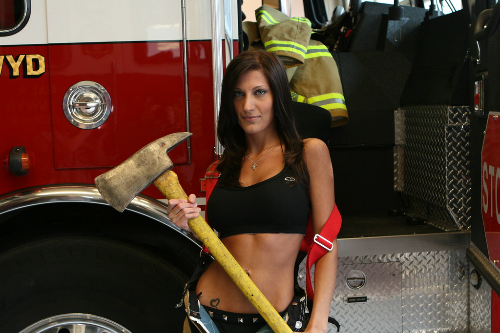 Sexy firefighter girl, ofter the fucked pusy