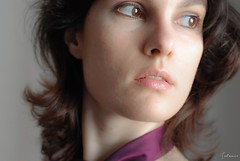 Lá fora . Outside (selenis) Tags: portrait self nikon retrato r 2010 50mmf18 d80