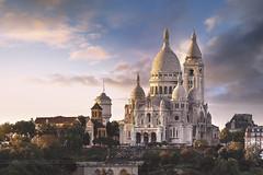 La Basilique du Sacré-Coeur de Montmartre (www.antoniogaudenciophoto.com) Tags: paris france montmartre basilique du coucherdesoleil leverdesoleil villedeparis toit urbain panorama capitale panoramique sacrécoeur